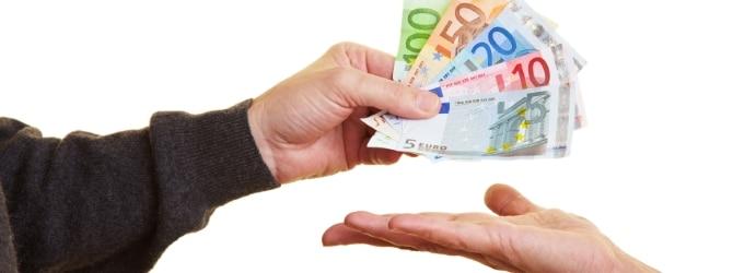 Zum Ablauf der Privatinsolvenz gehört auch die Regelung der Zahlung der Verfahrenskosten.