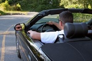 Was mit dem Auto in der Privatinsolvenz passiert, hängt auch von dessen Wert ab.