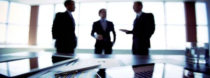 Der Gläubigerausschuss unterstützt und überwacht vor allem den Insolvenzverwalter.