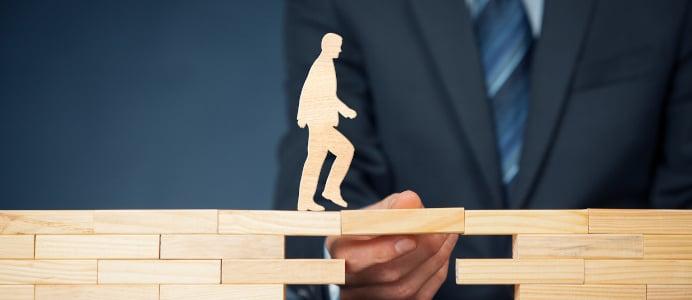 Auch während der Insolvenz steht der Rechtsanwalt dem Schuldner zur Seite und bewahrt ihn vor juristischen Fallstricken.