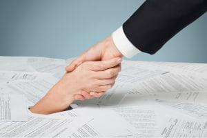 Ihnen droht die Insolvenz bzw. Überschuldung? Suchen Sie sich so schnell wie möglich Hilfe.