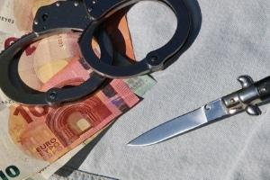 Private Personen können nicht nur wegen Insolvenzstraftaten in der Privatinsolvenz Probleme bekommen.