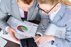 Kosten für den Insolvenzverwalter entstehen in Regelinsolvenz und Privatinsolvenz gleichermaßen.