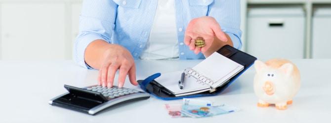 Die Kosten für eine Schuldnerberatung richten sich nach der Höhe der Schulden.