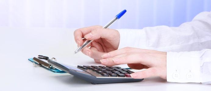 Die kostenlose Schuldnerberatung hat häufig eine lange Warteliste.