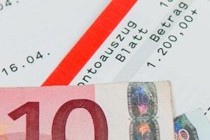 Neue Schulden sollten nach der Insolvenzeröffnung vermieden werden - auch wenn das Geld knapp ist.