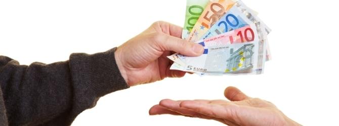 Zahlen Sie Ihre Mietschulden umgehend zurück, können Sie die Räumungsklage meist noch abwenden.