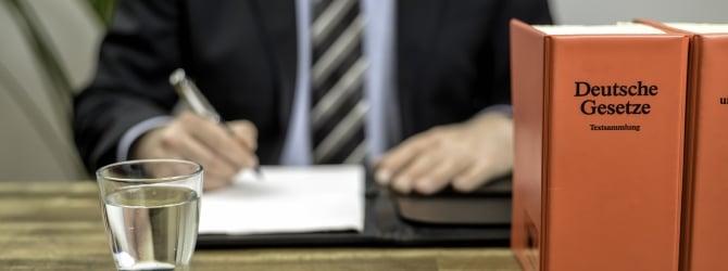 Eine Räumungsklage kann auch ohne Anwalt durchgeführt werden.