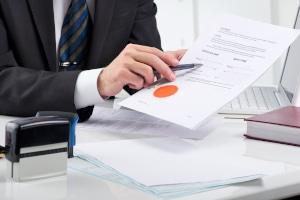 Das Schuldanerkenntnis vor dem Notar ist ein Vollstreckungstitel, wenn sich der Schuldner der sofortigen Vollstreckung unterwirft.