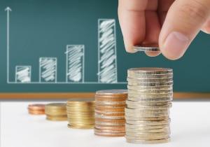 Schulden schnell abbauen: Das funktioniert nur, wenn Sie bereit sind, anderweitig Abstriche zu machen.