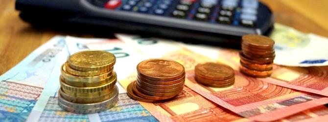Einen Schuldtitel zu verkaufen, bringt weniger Geld, bedeutet aber auch weniger Risiko.