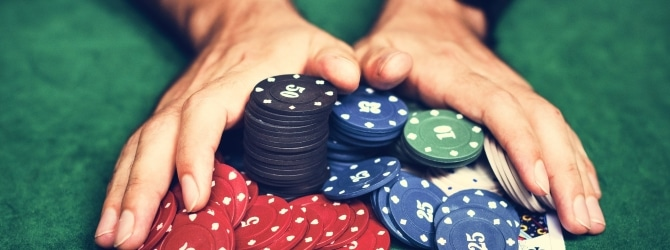 Gehen Spielschulden mit einer Glücksspielsucht einher, sollte professionelle Hilfe in Anspruch genommen werden.