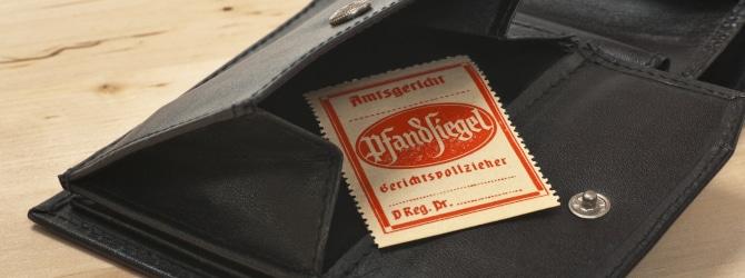 Geregelt ist die Taschenpfändung in der ZPO, genauer in § 808 der Zivilprozessordung.