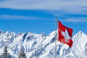 Eine Umschuldung trotz Lohnpfändung ist möglich, wenn Sie den neuen Kredit in der Schweiz aufnehmen.